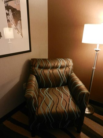 Hampton Inn San Francisco - Daly City: This chair even smells new