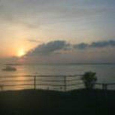 Kon Tiki Marina Suites: Sunrise