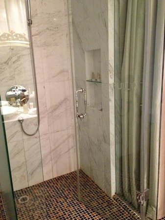 Hotel de l'Opera Hanoi - MGallery Collection: rain shower