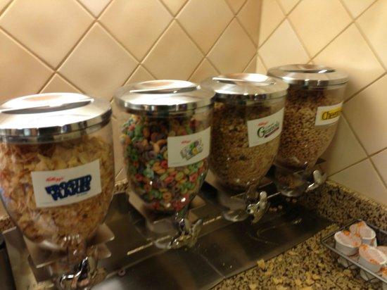 Residence Inn Camarillo: Breakfast buffet