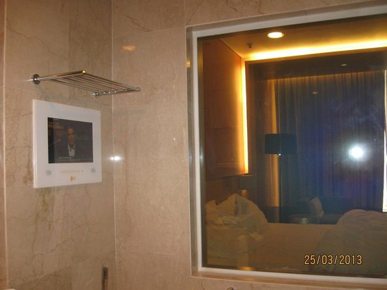 The T Hotel: Window and tv in bathroom