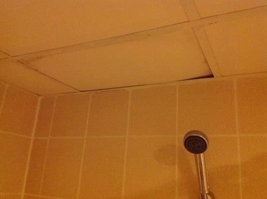 سيفر ريزورتيل: bathroom in delux room