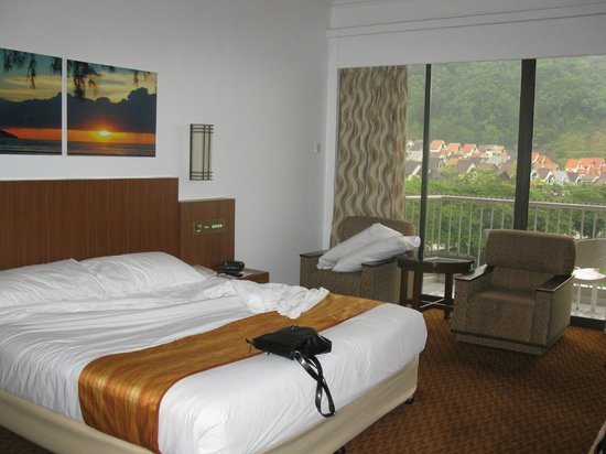 Bayview Beach Resort Penang Family Room