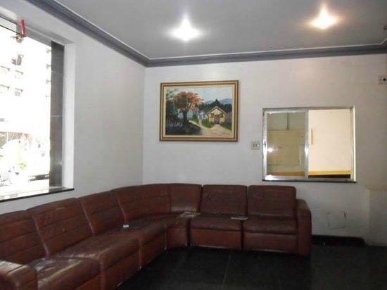 Center Plaza Hotel: Lobby