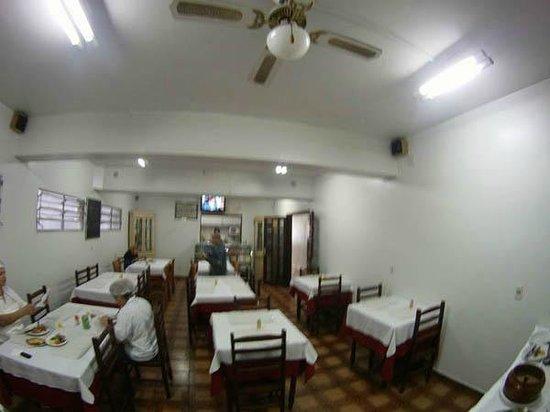 Center Plaza Hotel: Cafeteria