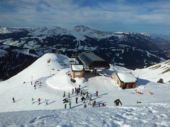 AliKats Mountain Holidays - Ferme a Jules: Ski time