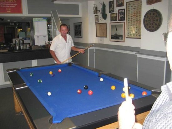 Watsons Bay Boutique Hotel: Pool table in the front bar