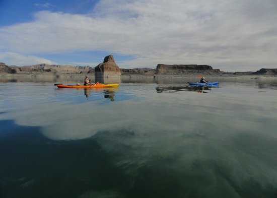 Four Season Guides - Day Hikes: Guided Kayaking Tours