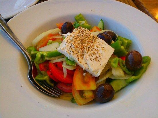 Mer Bleue Beach Restaurant: salad