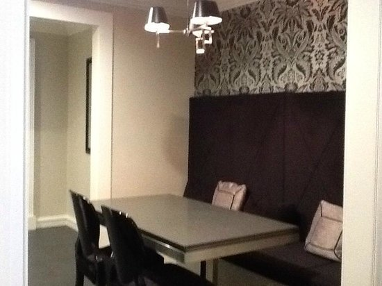 The Sebel Melbourne Flinders Lane: Dining area