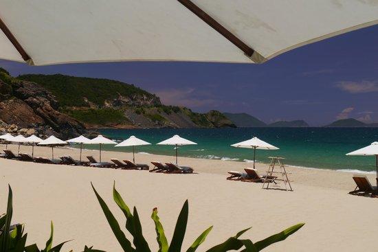 Mia Resort Nha Trang: the beach at Mia Resort, Nha Trang, April 2013