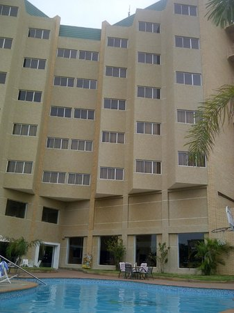 Hotel Brisas del Norte : hotel desde la piscina