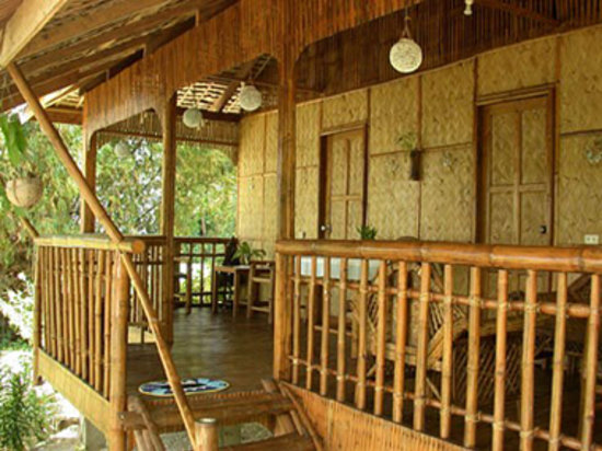 Bamboo Beach Resort: Deluxe Rooms veranda