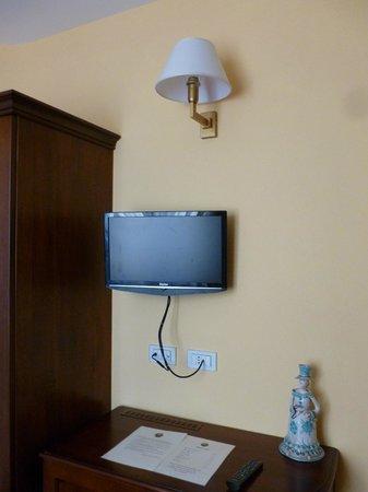 La Plumeria Hotel : TV in room