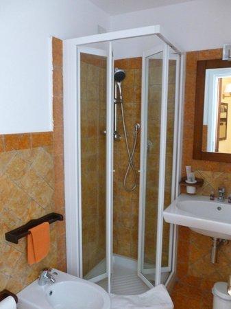 La Plumeria Hotel : Bathroom