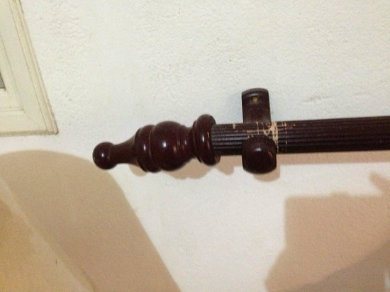 Auberge D'Anse Boileau : Old bed railing