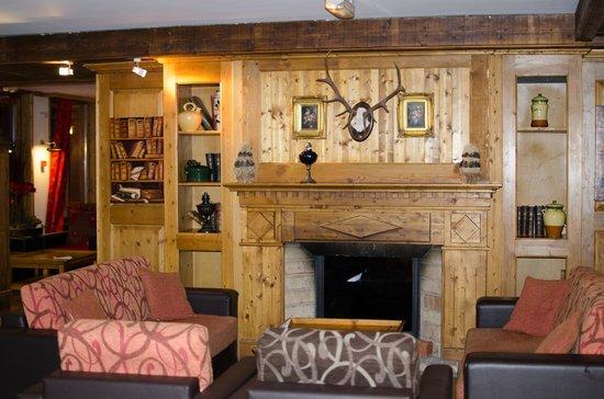 Hotel Village Montana: Salon - Bar