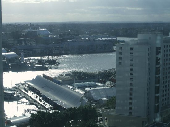 Mantra on Kent: Beautiful view from our room overlooking Darling Harbour.