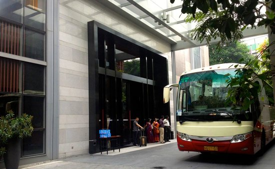 Royal Tulip Carat Guangzhou: Entrada y autobus para la Feria de Canton