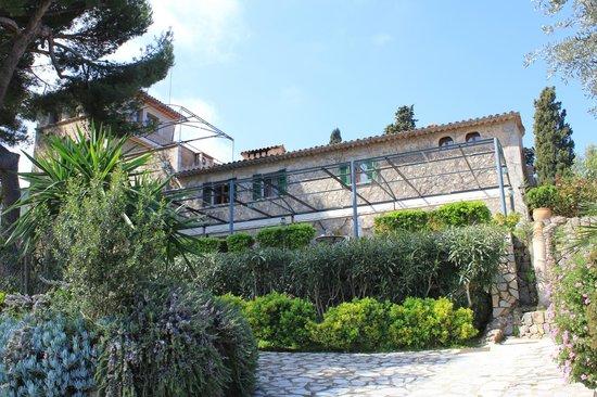 Hotel Sa Pedrissa: Blick von der Terasse auf das Hotel