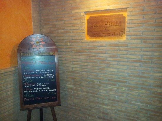 La Taverna del Bracho : Ingresso - verso la sala