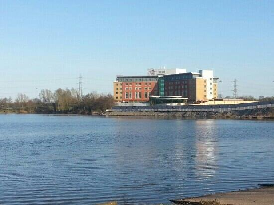 Crowne Plaza Hotel Birmingham NEC: view from lake