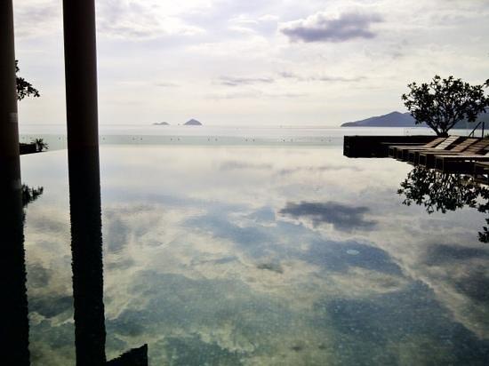 Sheraton Nha Trang Hotel and Spa: Fabulous pool view