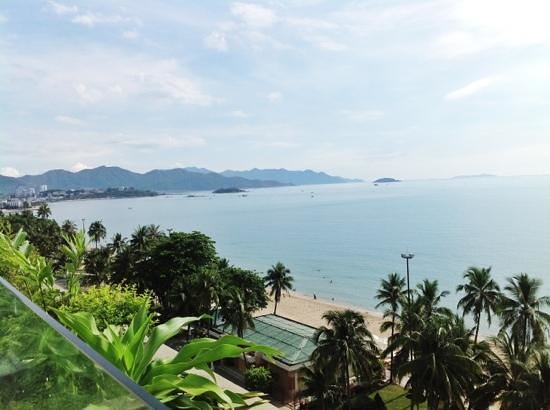 Sheraton Nha Trang Hotel and Spa: Looking the other way