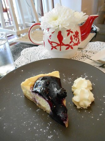 A Spoonful of Sugar: Blueberry cheese cake