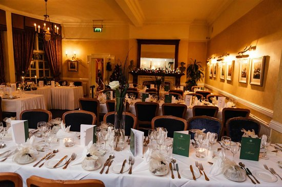 Leixlip House Hotel: Room set up for our wedding meal