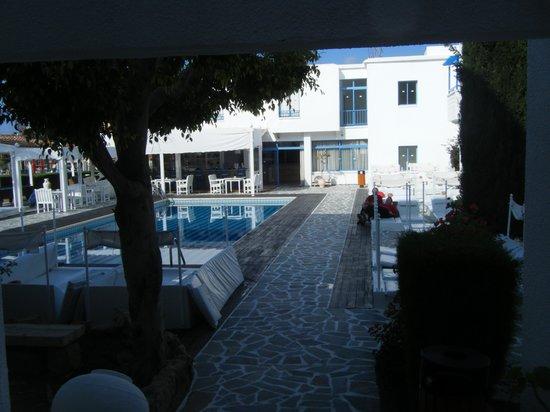 Tasmaria Hotel Apts.: The hotel