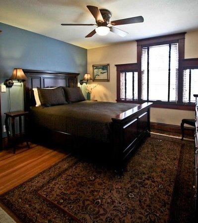 Three Oaks Inn: Palladian Suite