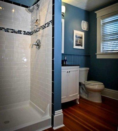 Three Oaks Inn: Palladian Suite, Bathroom