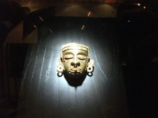 Museo de las Culturas de Oaxaca: Golden head of Tomb 7