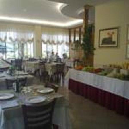 Hotel Di Luigi: Sala ristorante con buffet