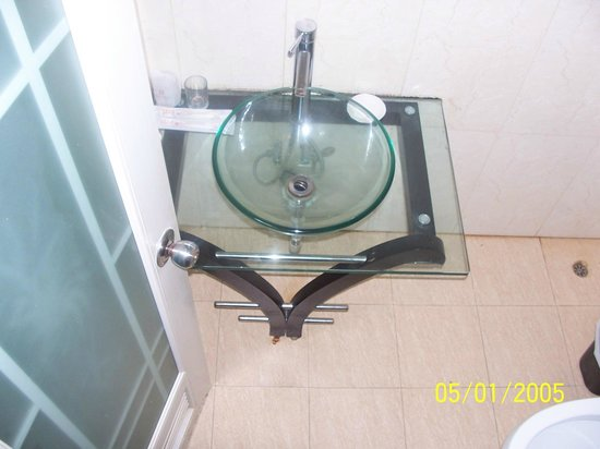 Aiqun Hotel: Sink blocks regularly