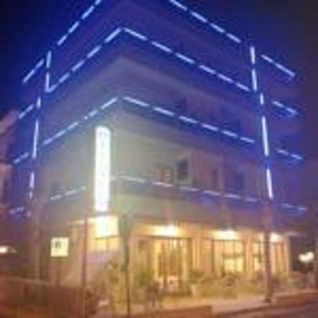 Hotel Di Luigi: illuminazione esterna