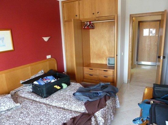 Paladim Aparthotel : Twin bedroom.