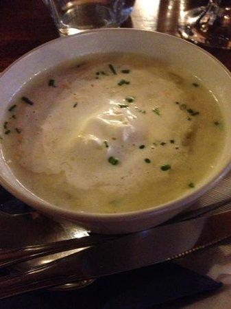 Cafe Bistro Mukkefuck: white asparagus soup