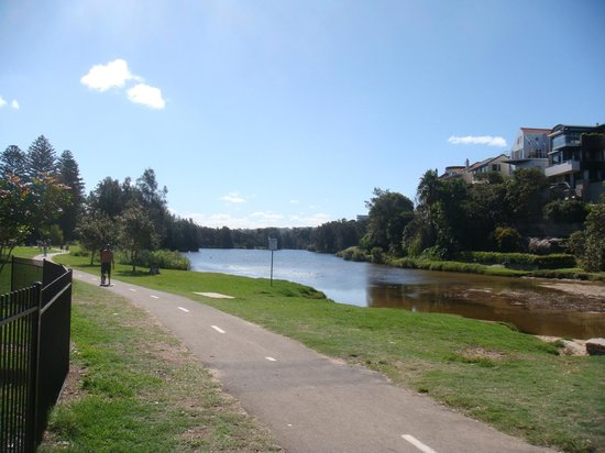 Manly Bike Tours and Bike Hire: A nice quiet park where no dogs bark