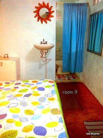 Hotel Maria del Pilar: room 9