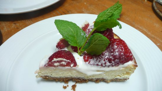 Hotel Los Castanos: Strawberry season brings delicious combinations
