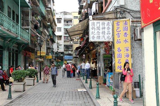 Macao Tour - South China Macao Travel Agency Ltd: Street