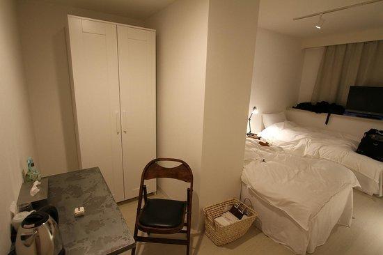 Hotel Graphy Nezu : Room
