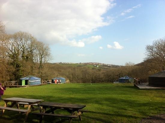 Cwm Tawel Yurts: Sunshine in the Llynfi Valley