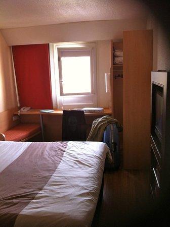 Ibis Deauville Centre : Petite chambre