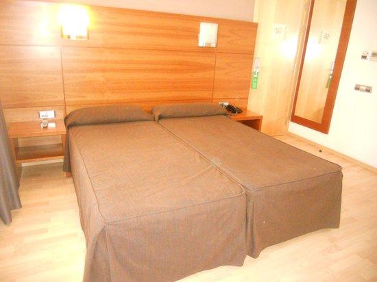 Hotel Via Augusta: Habitación
