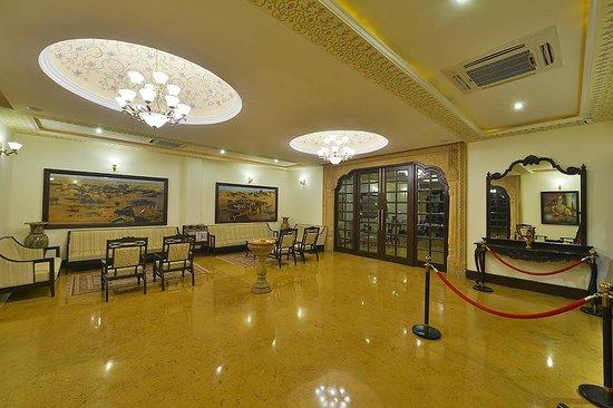 Desert Tulip Hotel & Resort: Lobby Area