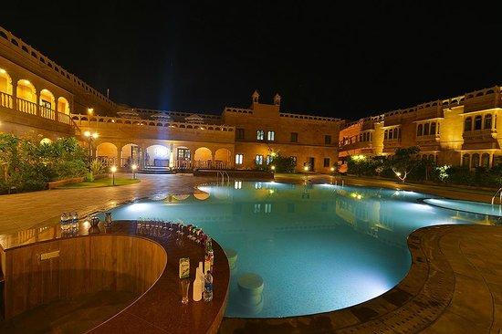 Desert Tulip Hotel & Resort: Central Courtyard Evening