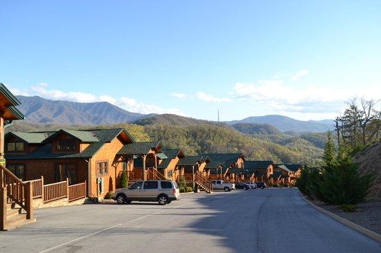 Gatlinburg Falls Resort: From the front